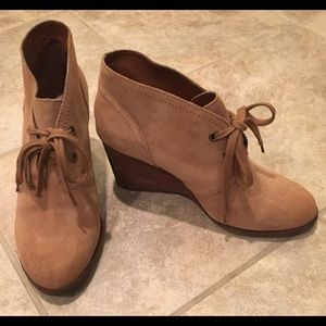 LUCKY BRAND Lace Up Booties EUC 9M